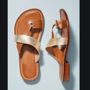 NWOT Bernardo Tia Flat Sandals Gold Leather